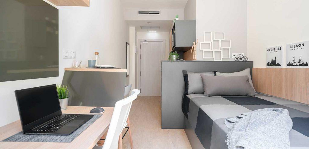 Amro granada single room